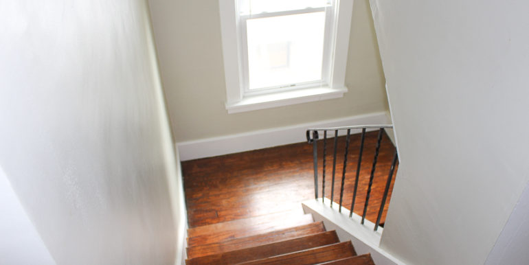 ub_apartment-107-englewood-stairs