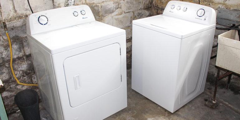 ub_apartment-107-englewood-washerdryer