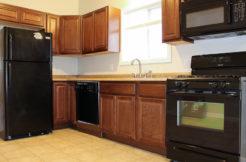 116 Englewood kitchen