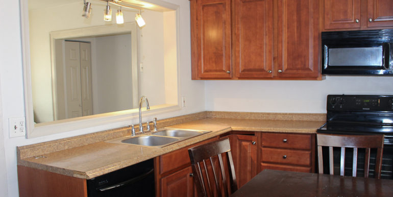 ub_apartment-127-heath-kitchen2