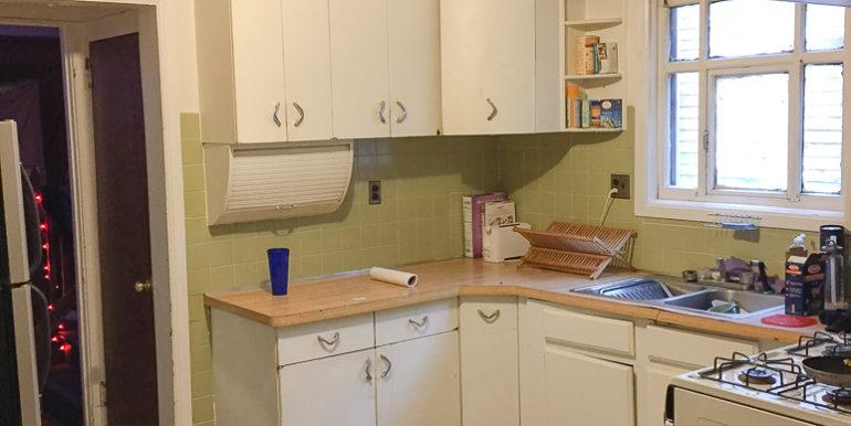 ub_apartment-176-winspear-kitchen