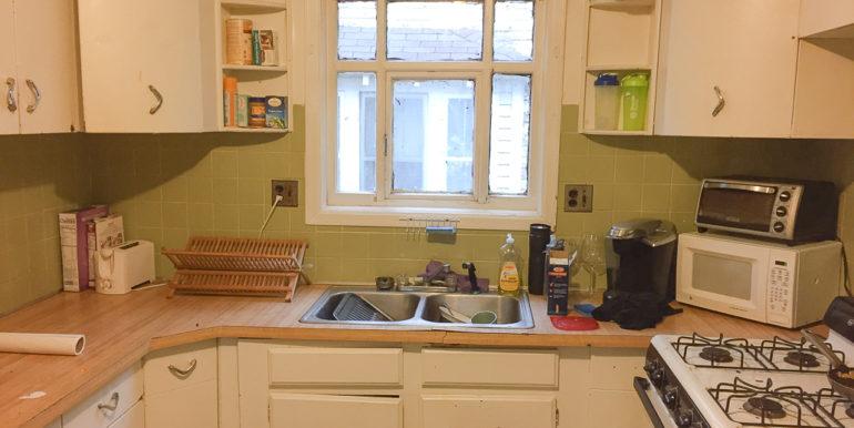 ub_apartment-176-winspear-kitchen2